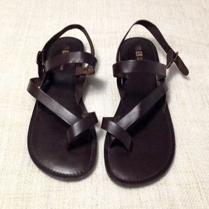 White Mountain Brown Leather Sandals 10